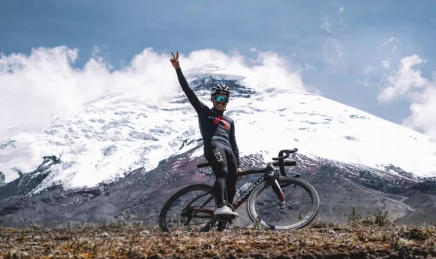 Richard Carapaz lleva el entrenamiento de altura a nuevas alturas en el volcán ecuatoriano
